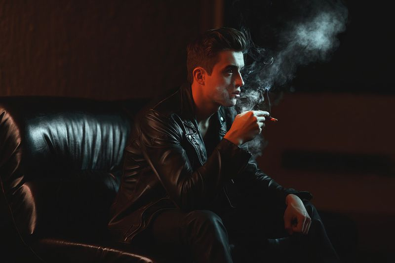 Rauchen und trinken wirkt auf Frauen attraktiv